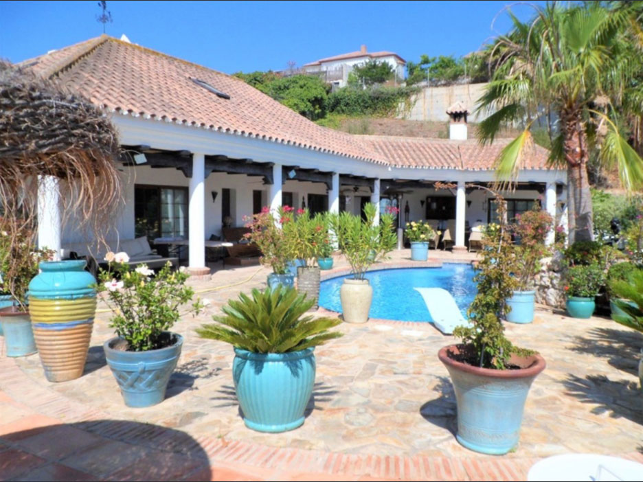 Cerros del Aguila kaarsberg real estate agents properties for sale; including villas, apartments, townhouses and plots